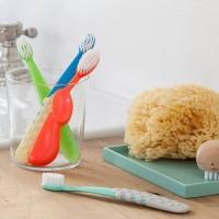 Детские зубные пасты и щетки: как выбирать и на что обращать внимание?