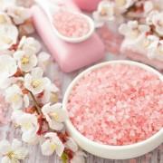 Как выбрать или сделать самостоятельно соль для ванны