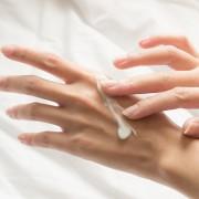 3 правила спасения кожи рук от сухости